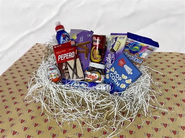 Сладкий подарочный набор на 8 марта - фото 6552